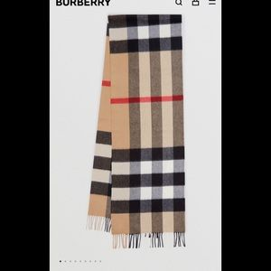 Burberry Check Cashmere Scarf in Archive Beige